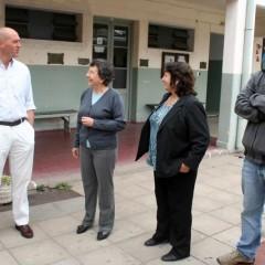 Hernando entregó un subsidio a la Escuela Media N° 2