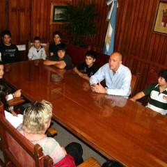 El Intendente recibió a alumnos de la Escuela Media N° 1 de Salazar