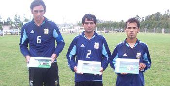 Gustavo Mansilla (1ro desde la izquierda) - Foto Archivo