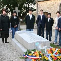 Los estudiantes de Salazar rindieron homenaje a Emilio Daireaux