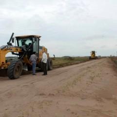Continúan los trabajos y la recuperación de los caminos rurales del distrito