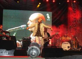 Abel Pintos le puso un brillo especial a la primera noche de festival